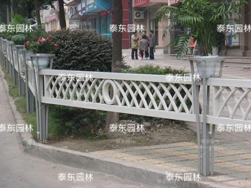 PVC护栏花箱