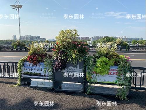 人行道护栏花箱