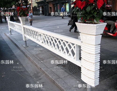 PVC火炬护栏花箱