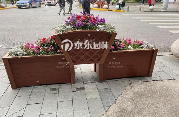 品字形PVC花箱.png